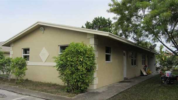 2141 NW 4th Ct - Photo 1