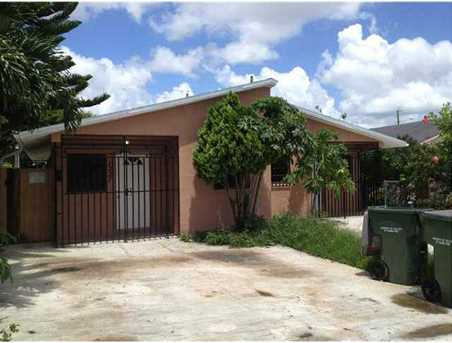 1225 NW 12 St - Photo 1