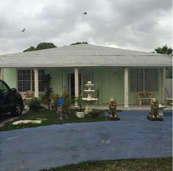 2247 NW 2 St - Photo 1