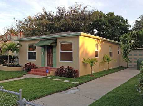 580 NW 50 St - Photo 1