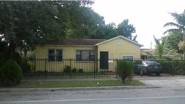 1460 Nw 41 St - Photo 1