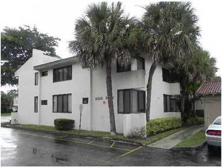 9545 SW 1st Ct Unit #9545 - Photo 1