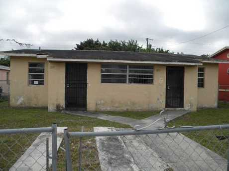 1820 NW 73 St - Photo 1