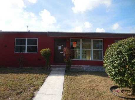 813 Small Dr - Photo 1