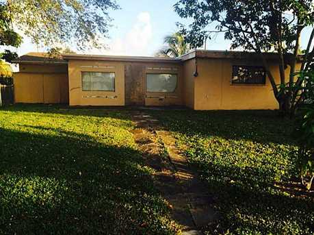 1350 NW 111 St - Photo 1