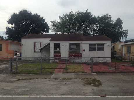 1884 Nw 52 St - Photo 1