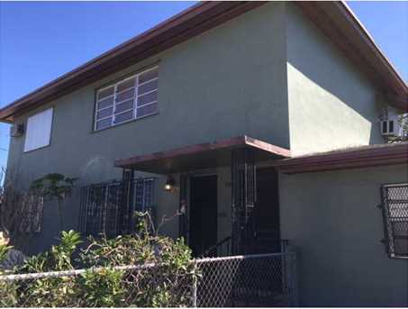 2190 NW 27 St - Photo 1