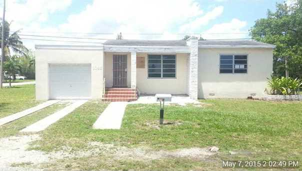 1095 NW 147 St - Photo 1