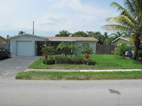 1755 NW 38 St - Photo 1