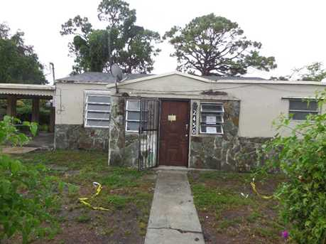2450 NW 100 St - Photo 1