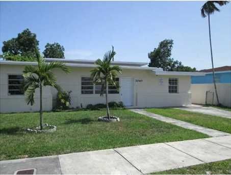 3040 NW 6 St - Photo 1