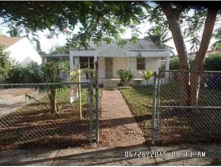 823 Nw 113 St - Photo 1