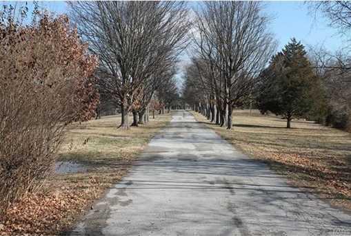 210 Glennon Heights Road - Photo 3