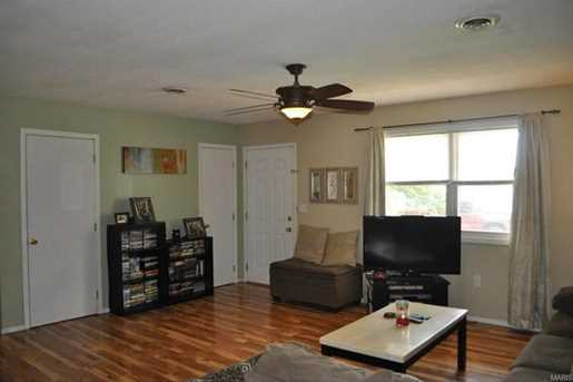 15008 Tampa Rd - Photo 3