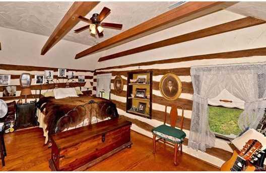 3676 Holmes Log Cabin Lane - Photo 19