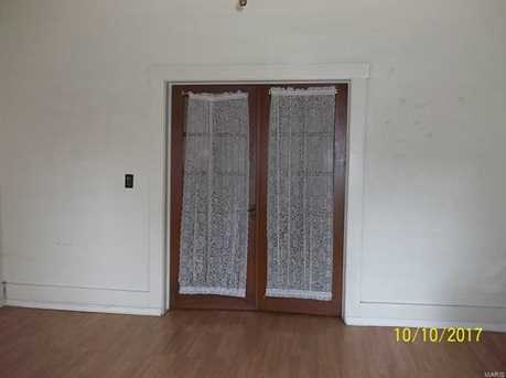 209 South Court - Photo 3