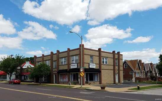 4912 Hampton Avenue - Photo 1