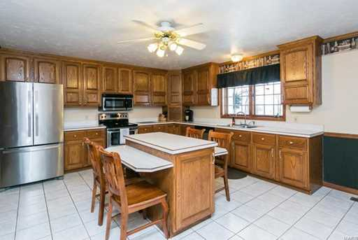 12359 Lakeview Ct - Photo 5