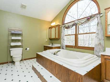 12359 Lakeview Ct - Photo 29