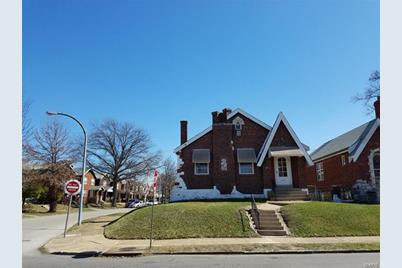 4182 North Euclid Avenue - Photo 1