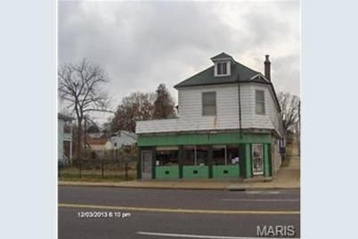8635 North Broadway - Photo 1