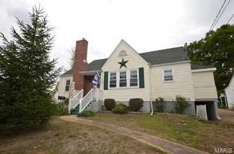 304 Donnelly - Photo 1