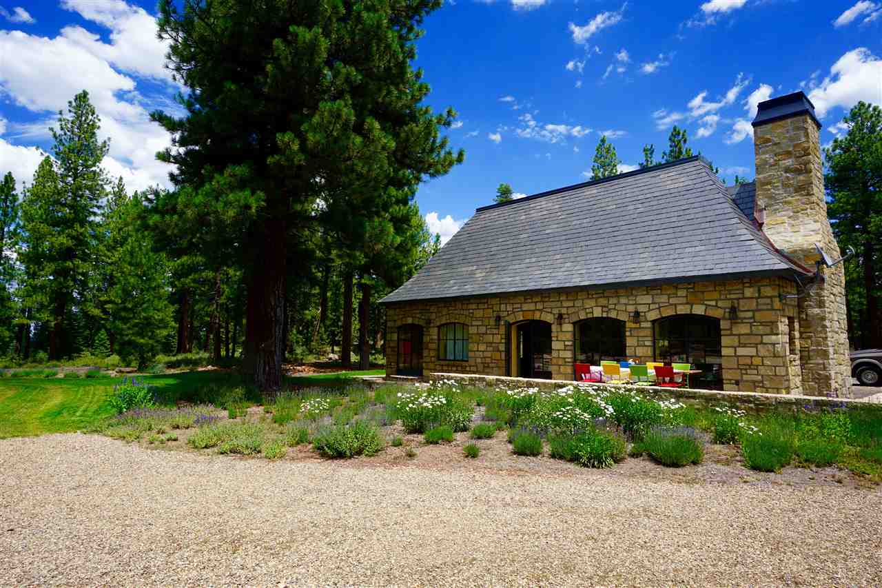 Additional photo for property listing at 16284 Tewksbury Drive  TRUCKEE, CALIFORNIA 96161