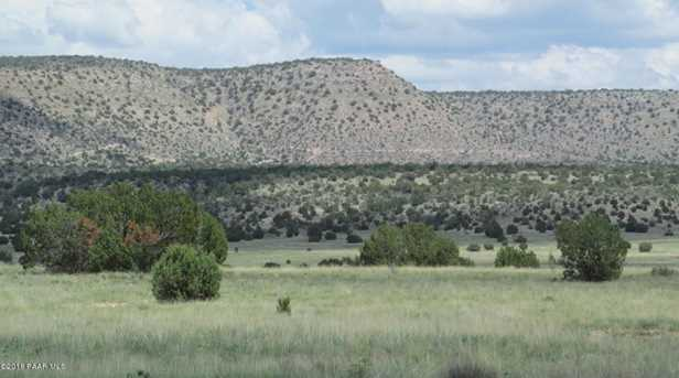 1829 Silent Spring Canyon - Photo 1