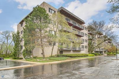 1S150 Spring Road #2H - Photo 1