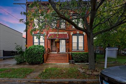 2210 W Adams Street - Photo 1