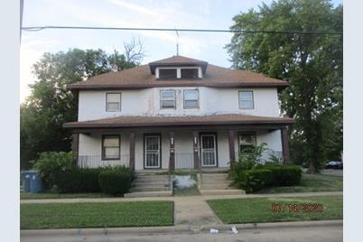 291-293 E Locust Street - Photo 1