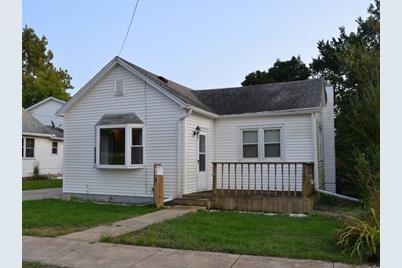 1029 W Dakota Street - Photo 1