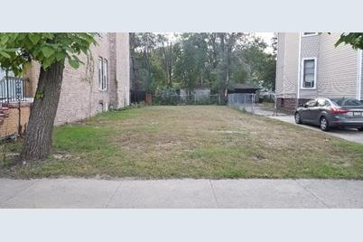 6752 S Lafayette Avenue - Photo 1