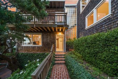 4 Russian Hill Place - Photo 1