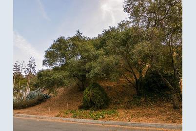 2600 East Glenoaks Boulevard - Photo 1