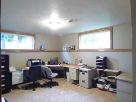 1399 Hillcrest Heights - Photo 42