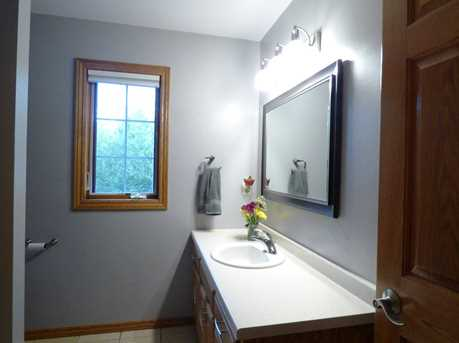 1399 Hillcrest Heights - Photo 32