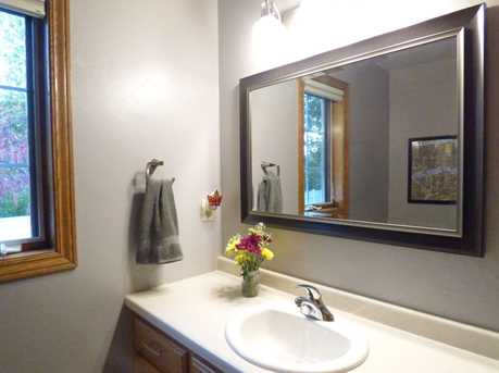 1399 Hillcrest Heights - Photo 33