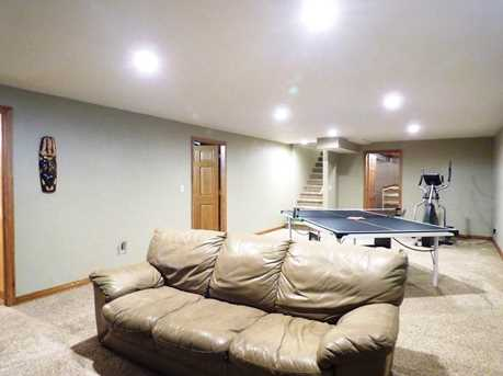 1399 Hillcrest Heights - Photo 39