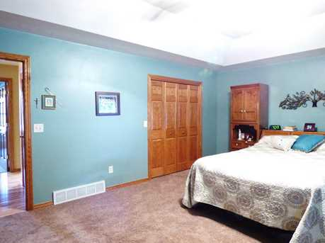 1399 Hillcrest Heights - Photo 22