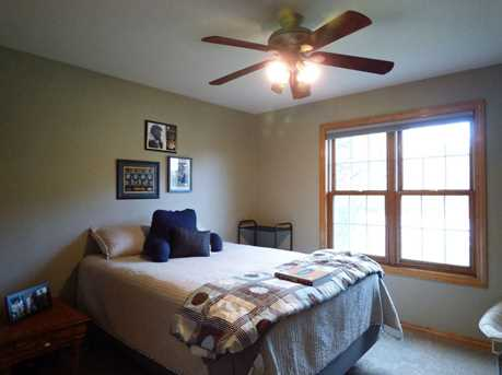 1399 Hillcrest Heights - Photo 30
