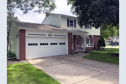 1392 Bond Street, Green Bay, WI 54303