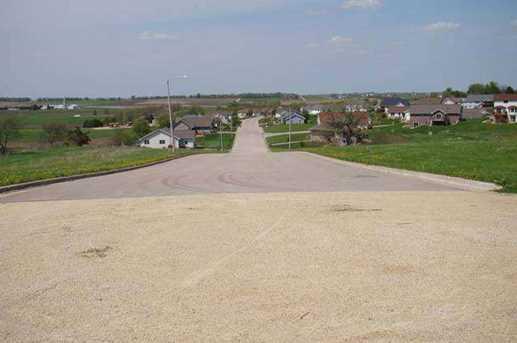 305 Prairie Hills Dr - Photo 3