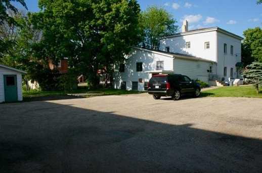 121 S Prairie St - Photo 2