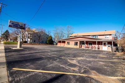 711 W Racine St - Photo 1