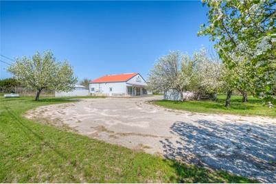 2100 Old Airport Rd - Photo 1