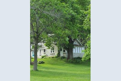 2532 Middle Road - Photo 1