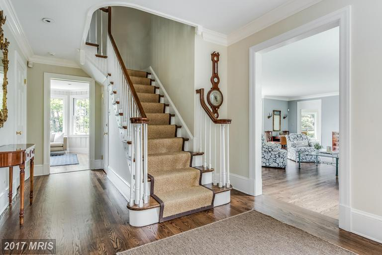 Additional photo for property listing at 220 Wardour Drive  Annapolis, Maryland 21401 United States