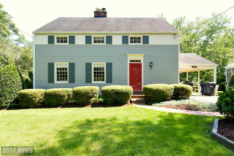 Single Family for Sale at 1705 Courtland Road Alexandria, Virginia 22306 United States