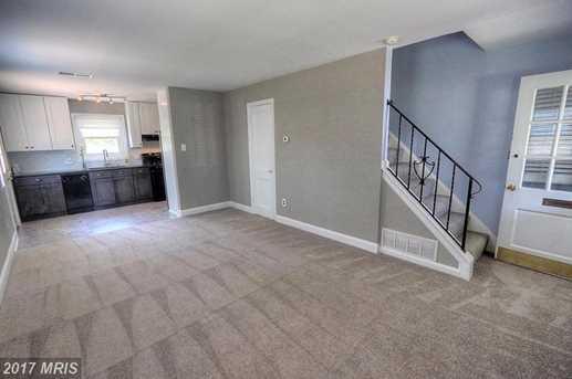 2313 Fairview Terrace - Photo 4
